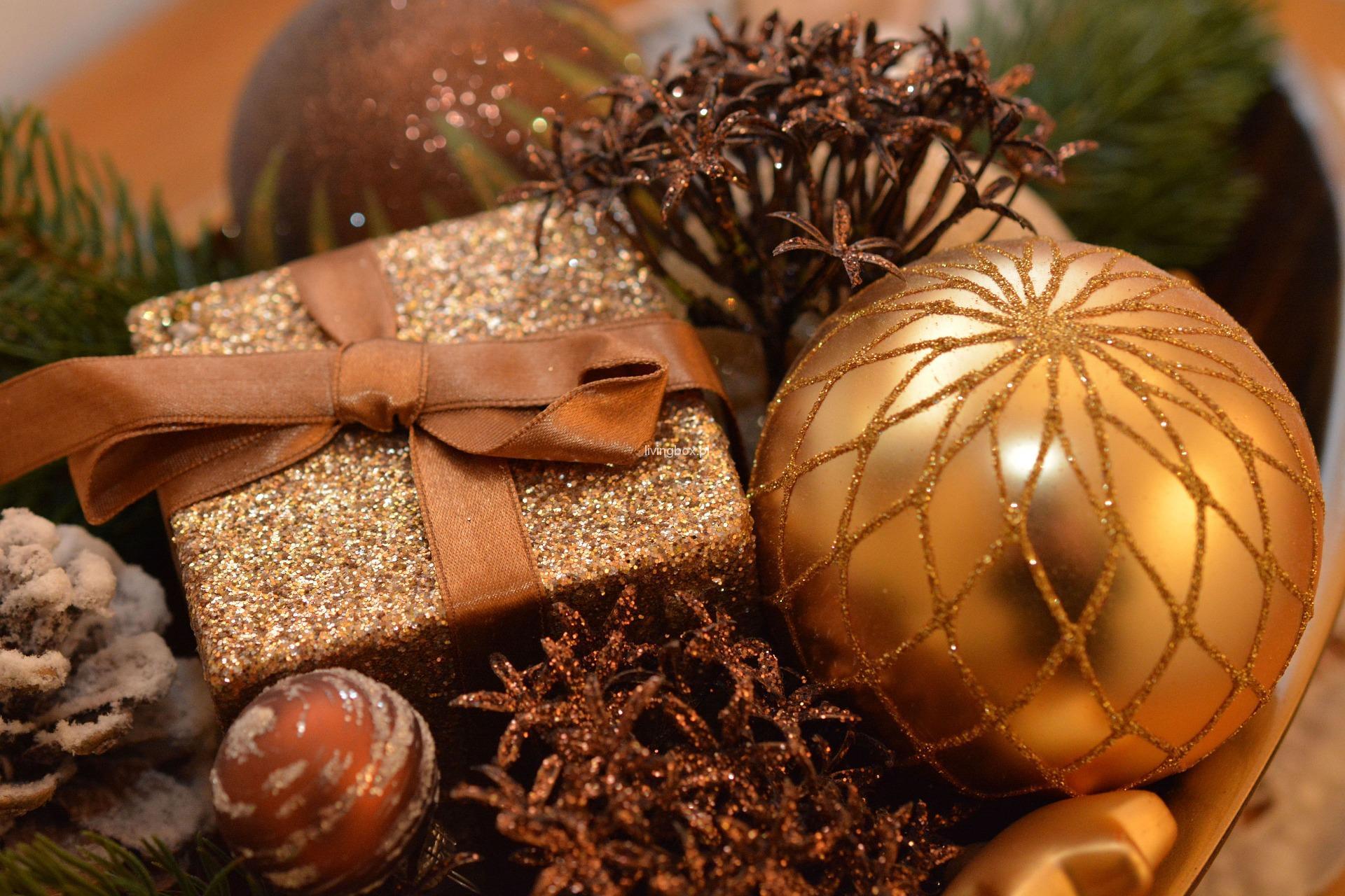 christmas-bauble-1063070_1920